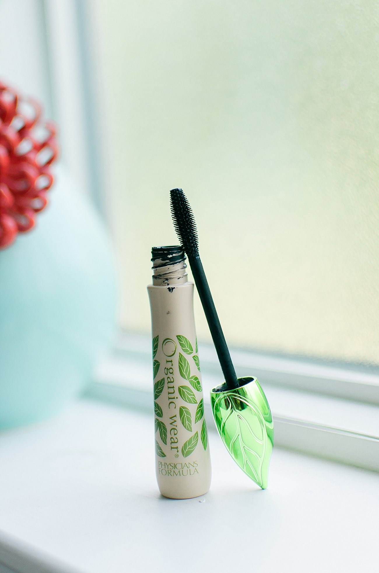 The Best Natural, Clean, Non-Toxic and Organic Mascaras Put to the Test by NC blogger Still Being Molly